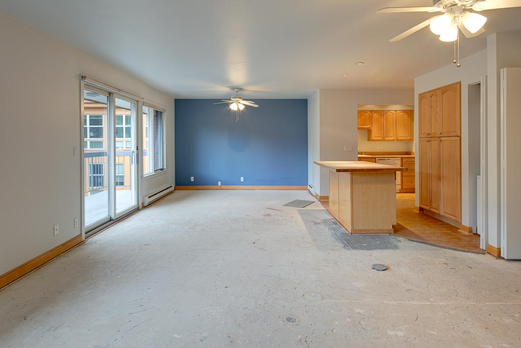 Kenney IL Apartment before remodel