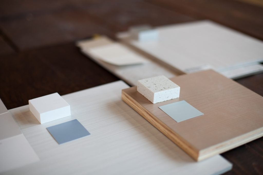 Sales tools for apartments: loose design materials for making selections