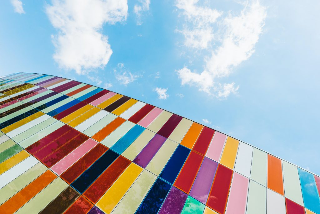 Color science: lead image of colorful building